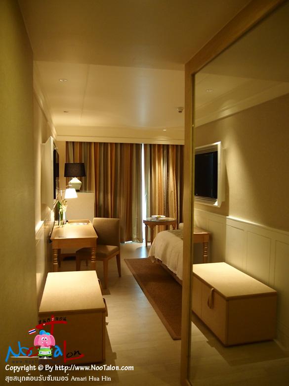 เข้าห้องพักแล้ว ผมเข้าพักในห้องประเภทเดอลุกซ์พูลวิว (รีวิวรูปภาพ สุขสนุกต้อนรับซัมเมอร์ Amari Hua Hin - หนูตะลอน)