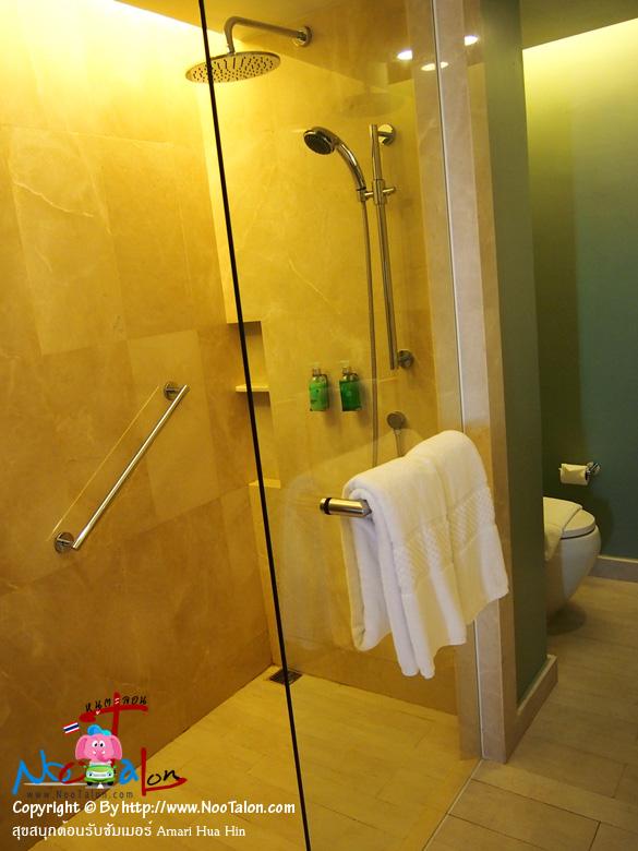 ห้องประเภทเดอลุกซ์ทุกแบบจะไม่มีอ่างอาบน้ำให้ (รีวิวรูปภาพ สุขสนุกต้อนรับซัมเมอร์ Amari Hua Hin - หนูตะลอน)
